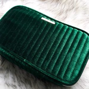 the deluxe velvet makeup bag